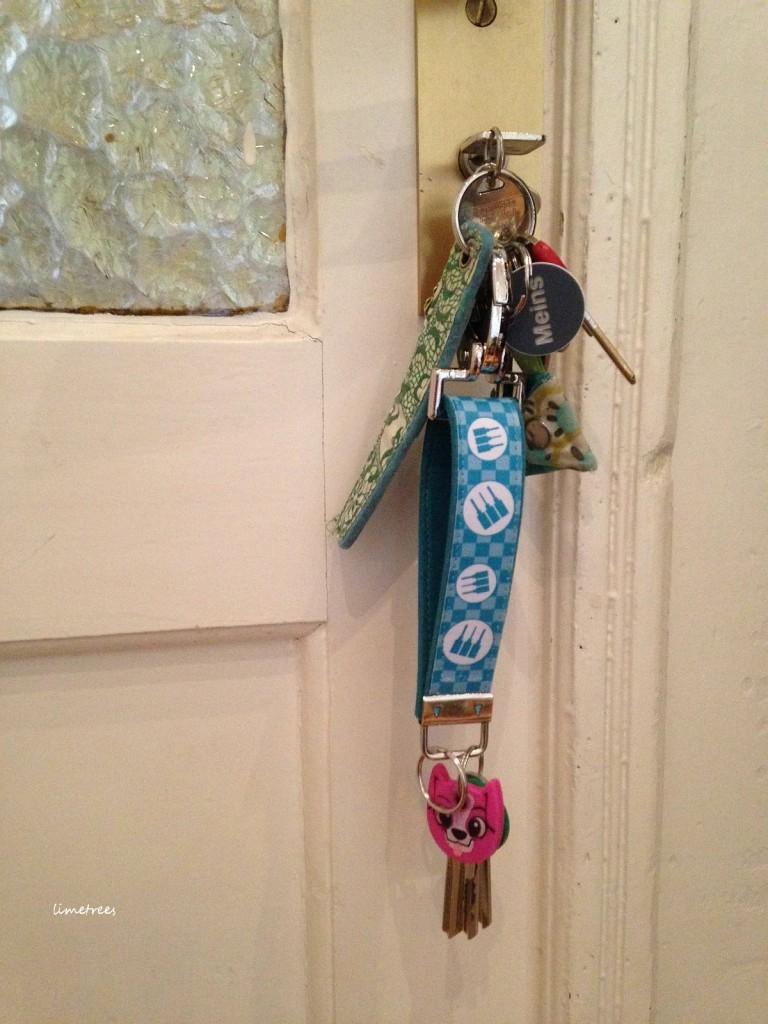 selbstgenähte schlüsselbänder für lindenfans