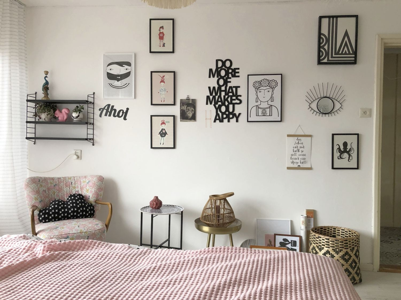 gallerywall im Schlafzimmer
