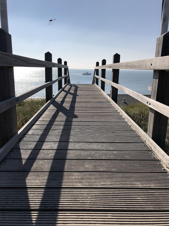 treppe zum strand zeeland