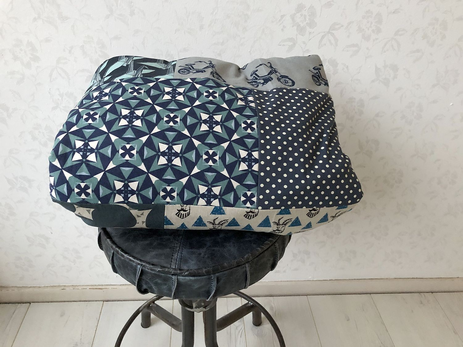 patchworkdecke aus canvas blau