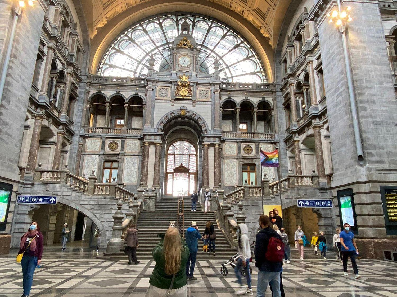 wunderschöner Bahnhof von Antwerpen