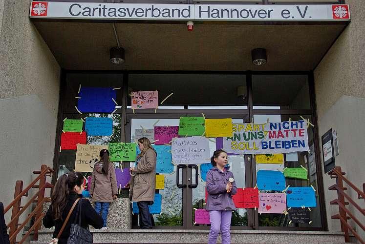 Solidaritätspicknick für das Spielhaus (Foto: Henry Arlit)