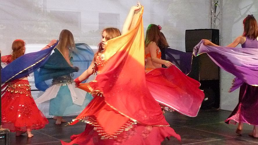 Tanzgruppe des Studios Movenyo