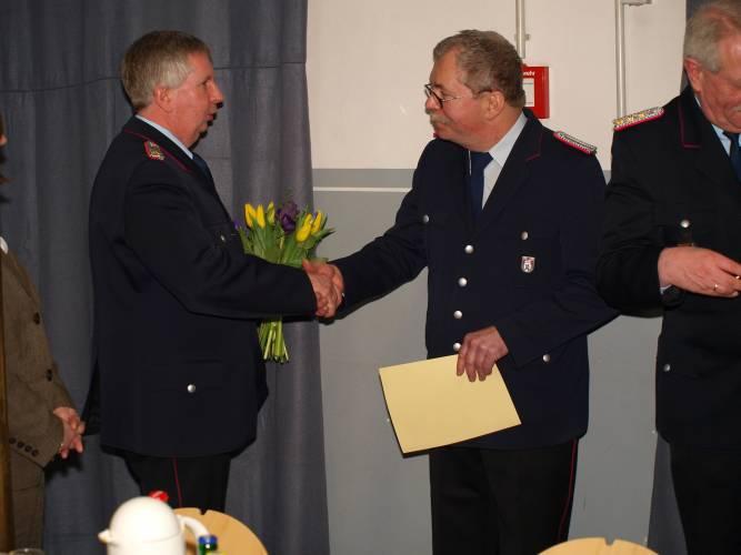Detlef Scholz erhielt eine Auszeichnung für 40 Jahre Aktivität im Feuerlöschwesen