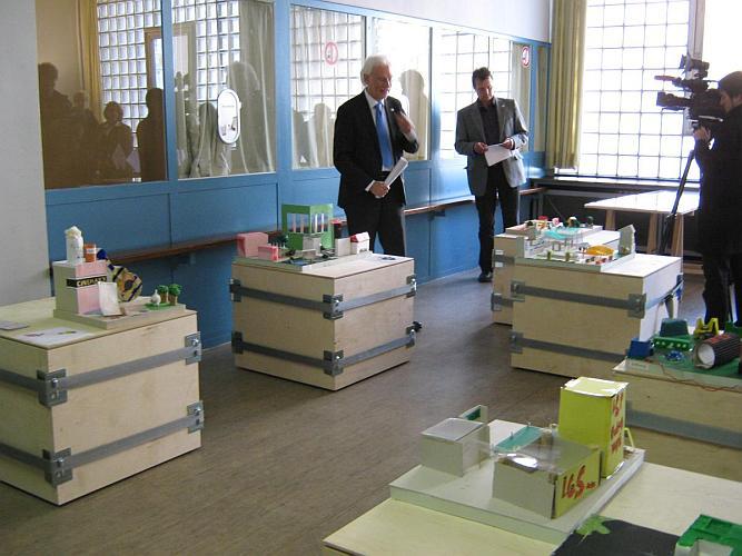 Ausstellungseröffnung mit Bürgermeister Bernd Strauch
