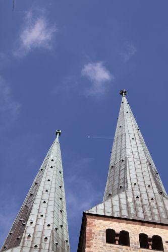 Lüftungsöffnungen am Kirchturm