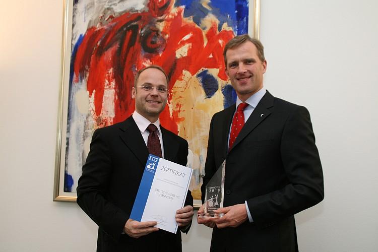 Dr. Wolfram v. Fritsch (rechts), Vorstandsvorsitzender der Deutschen Messe AG, und Michael Webel, Präsident des Organisationskomitees