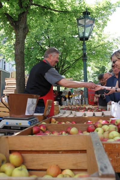 Regionales Angebot auf dem Lindener Markt