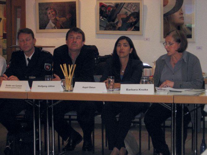 v.l. Guido von Cyrson, Wolfgang Jüttner, Aygül Özkan und Barbara Knoke