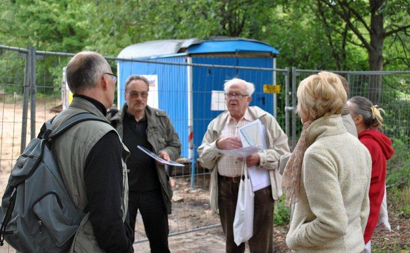Horst Bohne am Stichweh-Leine-Park (Foto: Manfred Wassmann)