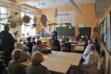 Lesung im Klassenzimmer (Foto: Manfred Wassmann)