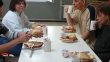 Das erste Frühstück am Lindener Tisch
