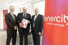 v.l.n.r: Harald Noske (enercity-Technikvorstand), Michael Feist (enercity-Vorstandsvorsitzender und kaufmännischer Direktor) und Jochen Westerholz (enercity-Arbeitsdirektor) präsentieren den enercity Report 2013