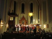 Die SingAkademie bei einem ihrer traditionellen Adventskonzerte in Mariensee.