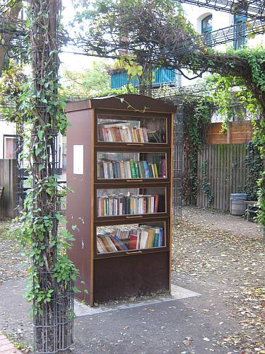 Offener Bücherschrank in Linden-Süd