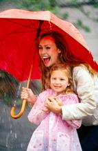 Lassen Sie sich vom schlechten Wetter nicht die Laune verderben (© Goodshoot/Thinkstock)