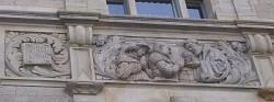 Steinfries am neuen Rathaus