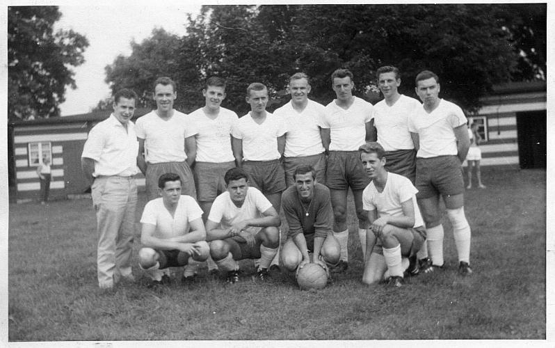 1. Fußball-Herren-Mannschaft von Vorwärts Linden 1963, 2. v. l. stehend: Klaus Bethmann