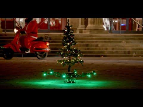 Frohe Weihnachten Hannover - Tannenbaum Drohne Nikolaus X-mas flying emobility 2020