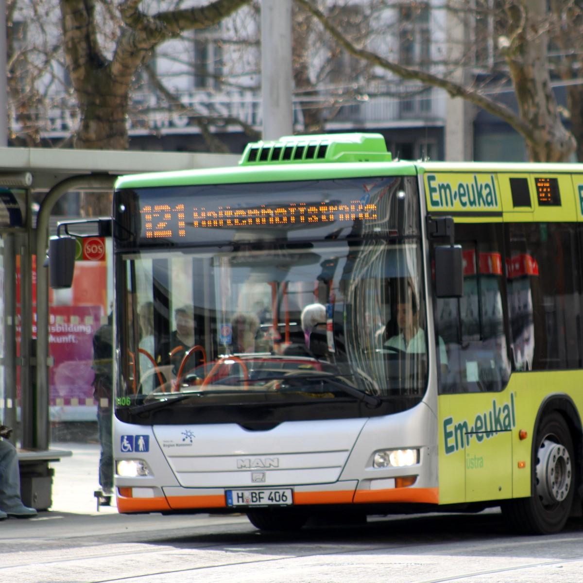 Buslinie 121 am Hauptbahnhof