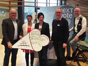 Talkrund zu neXTvote mit Ottmar von Holtz (Bündnis90/Die Grünen), Susanne Martin (ehem. Vorstand LJR), Immacalota Glosemeyer (SPD), Volker Meyer (CDU) und Jens Risse (Vorstand LJR)