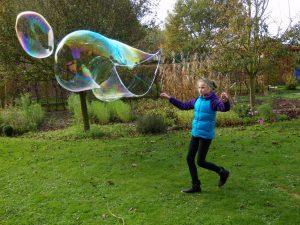 Seifenblasen (Foto: Elke Bohn)