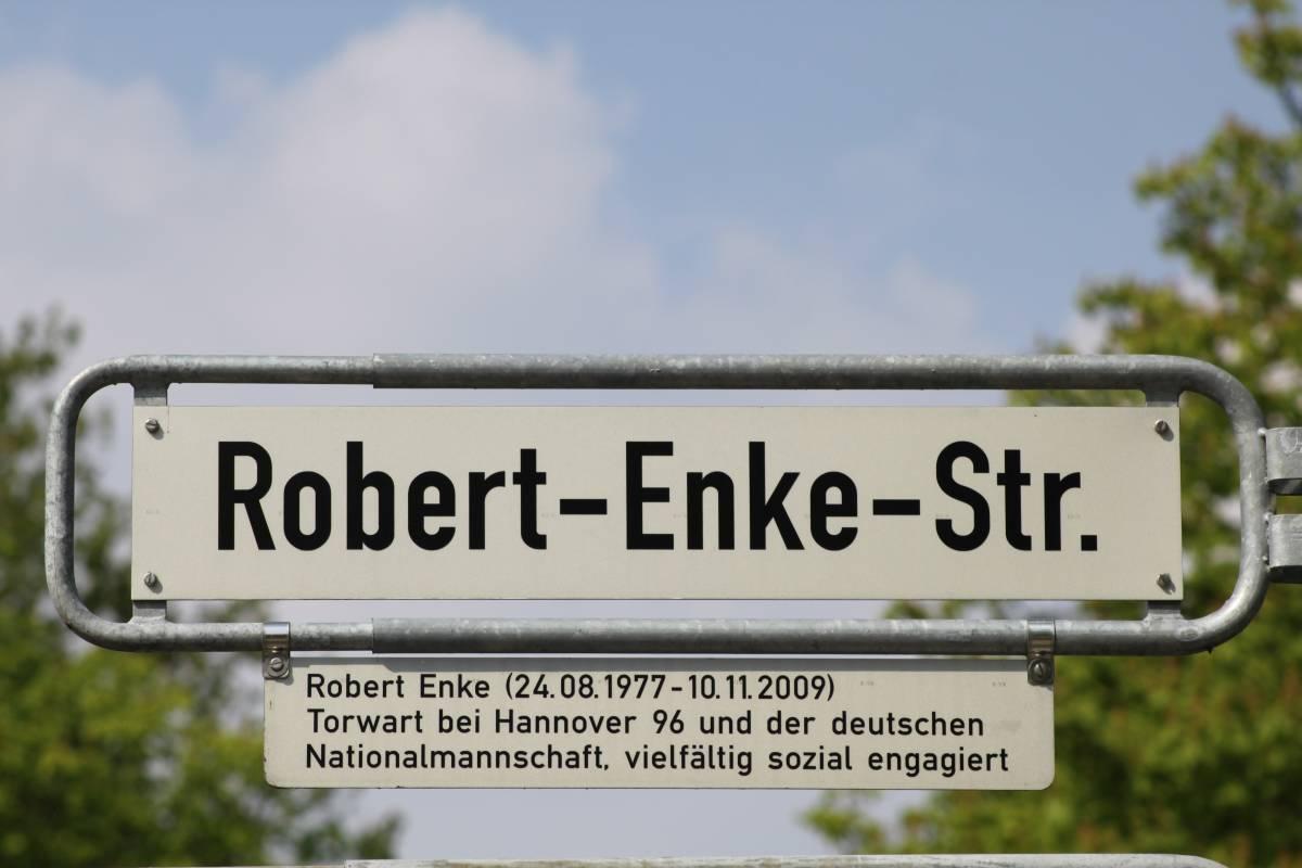 Robert-Enke-Straße