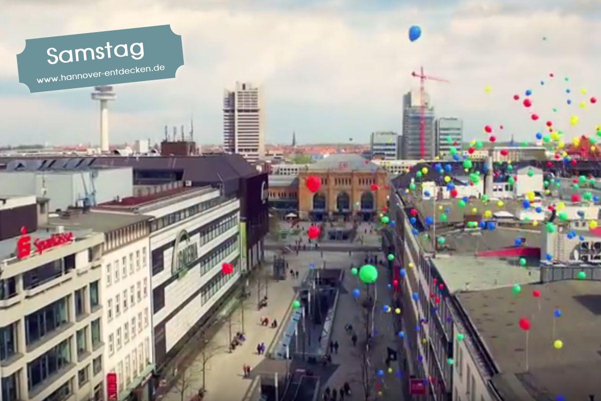 Shanaya Rot Gelb Grün Blau (Die bunten Gesichter der Stadt Hannover)