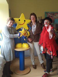 Ute Friese, Geschäftsführerin Aktion Kindertraum gemeinnützige GmbH<br />Anja Osterloh, Geschäftsführerin mod GmbH & Co.KG<br />Uta Beger, alias Klinik-Clownin Fidele