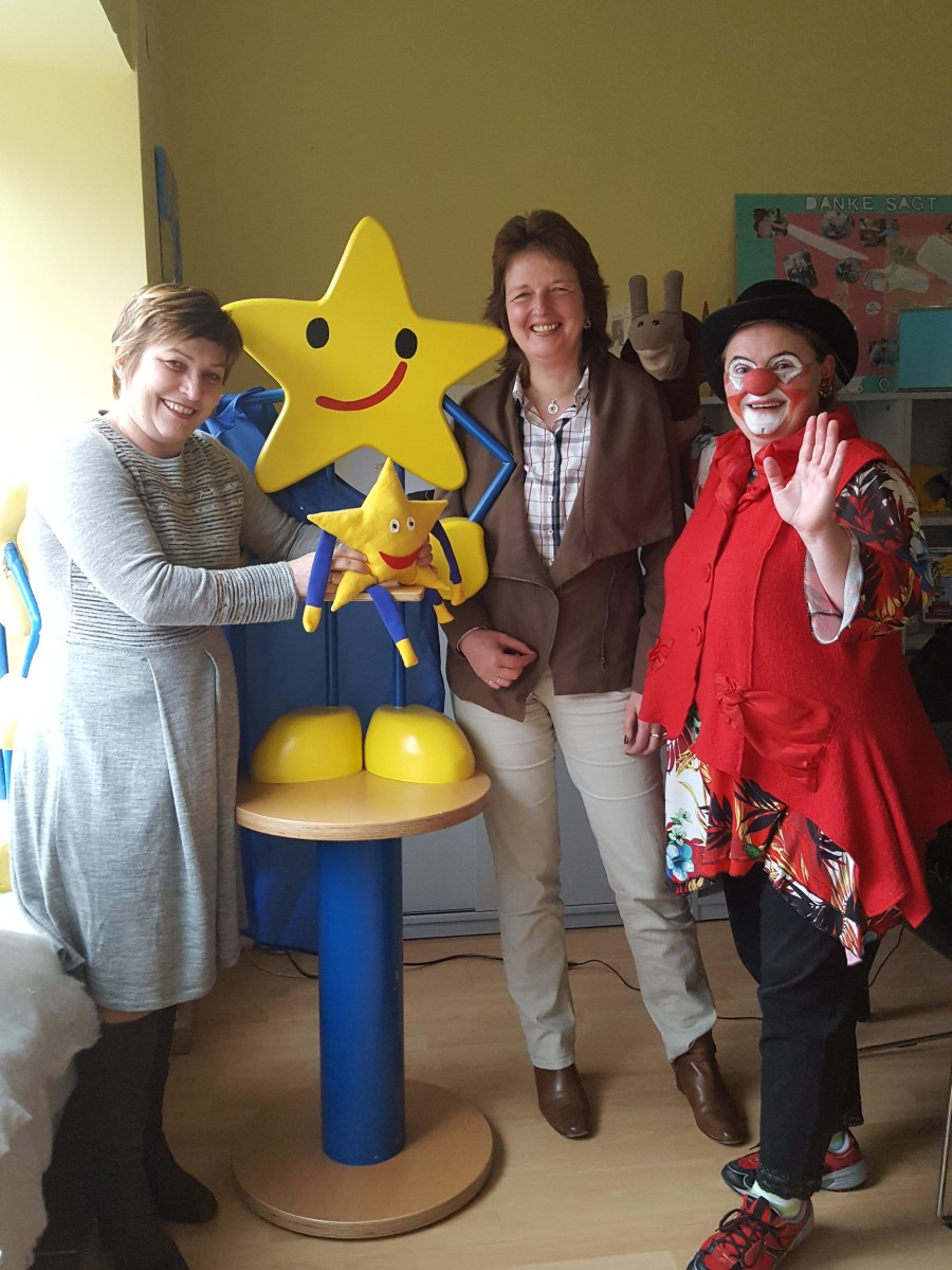 Ute Friese, Geschäftsführerin Aktion Kindertraum gemeinnützige GmbHAnja Osterloh, Geschäftsführerin mod GmbH & Co.KGUta Beger, alias Klinik-Clownin Fidele