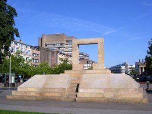 Holocaust-Mahnmal auf dem Opernplatz