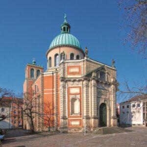 Basilika St. Clemens und Platz an der Basilika