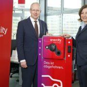 Stefan Schostok, Oberbürgermeister der Landeshauptstadt Hannover und Dr. Susanna Zapreva, Vorstandsvorsitzende der Stadtwerke Hannover AG