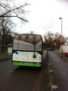 Einzige Alternative: Buslinie 200 im Sportpark