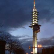 Telemax Hannover in der Dämmerung
