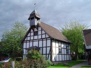 Fachwerkkapelle im alten Dorf Davenstedt