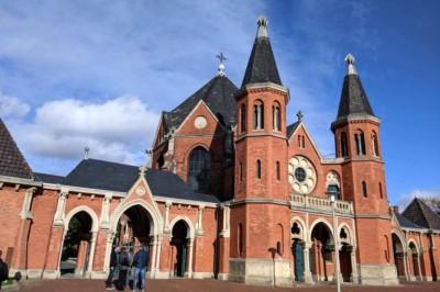 Kapelle am Eingang des Stöckener Friedhofs