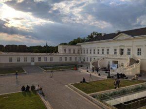 Im Innenhof des Schloss Herrenhausen