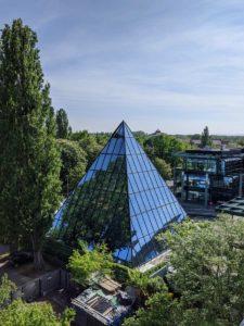 Glaspyramide des Restaurant Ginkgo im Heideviertel