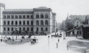 Der Platz um 1890