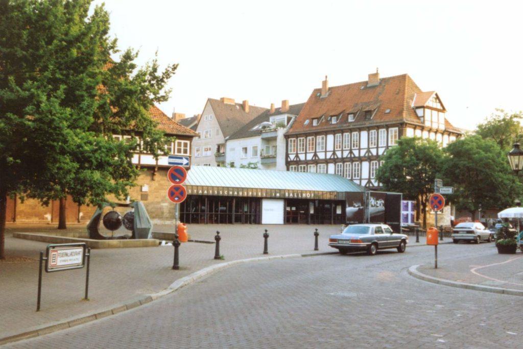 Ballhofplatz mit Straße