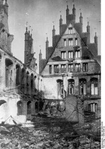 Zerstörter Festsaal des alten Rathauses