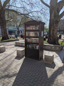 Bücherschrank Fiedlerplatz