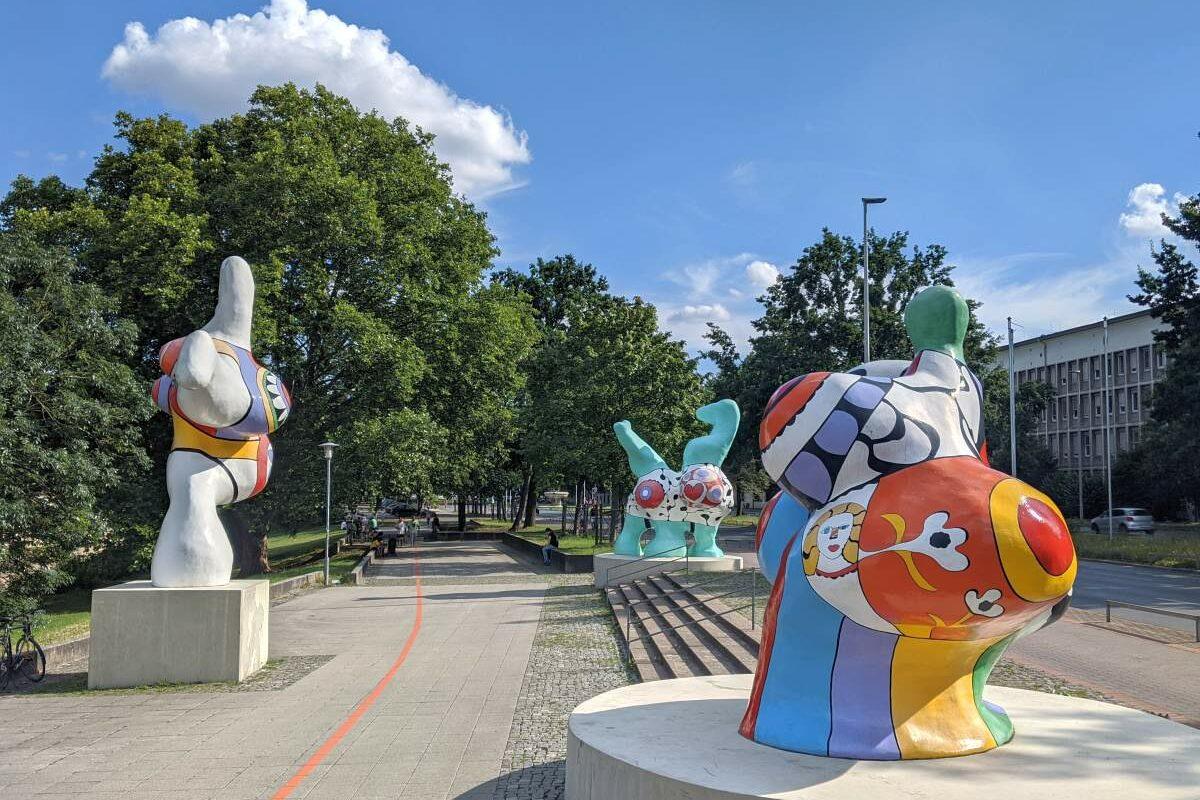 Nanas von Niki de St. Phalle