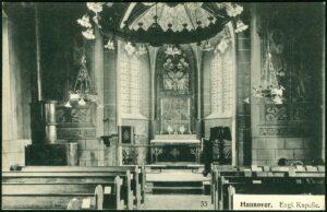 """Das Bild zeigt eine Innenansicht aus der seinerzeit """"Englische Kapelle"""" genannten Nikolaikapelle in Hannover"""