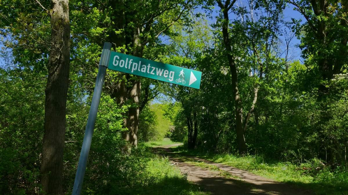 Golfplatzweg